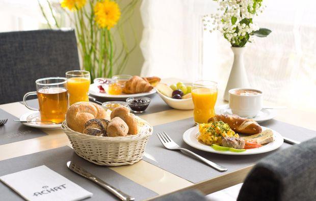 kurzurlaub-koeln-monheim-fruehstueck