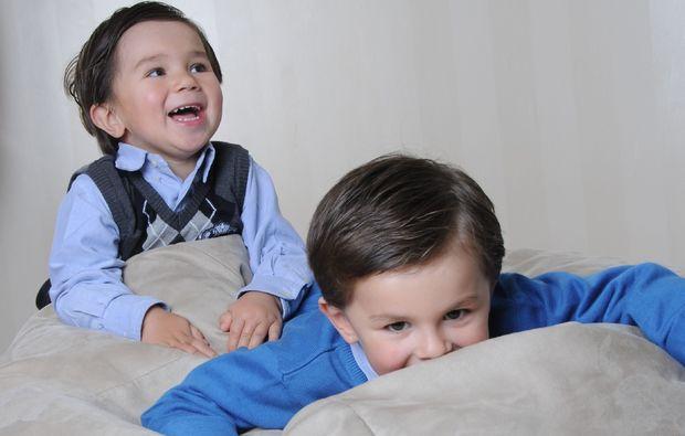 familien-fotoshooting-hamburg-geschwister