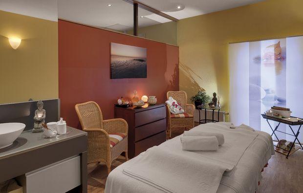 kuschelwochenende-rheinsberg-kleinzerlang-massage