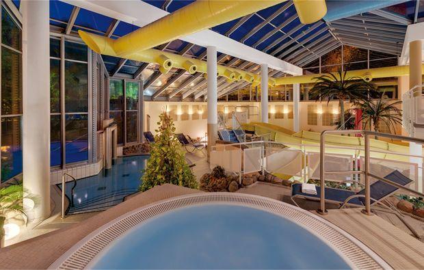 kuschelwochenende-rheinsberg-kleinzerlang-pool