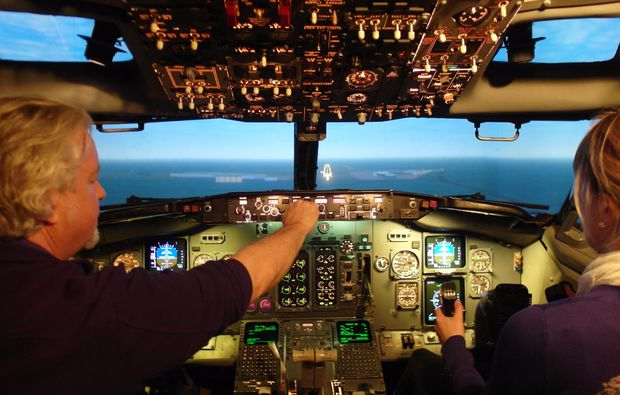 full-flight-simulator-moenchengladbach-cockpit