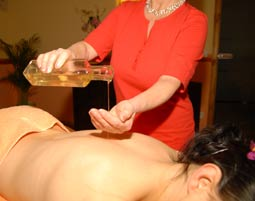 Aromaöl-Massage