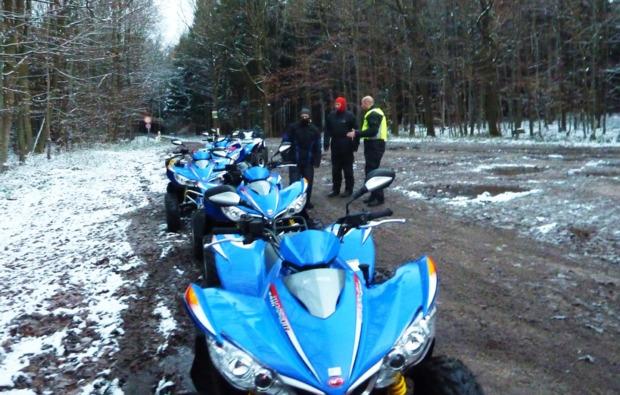 winter-quadr-fahren