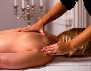 Wellness-Auszeit für Zwei Tageskarte Badhaus, Partnerbehandlung, Aromaölmassage