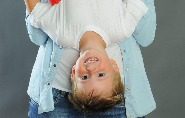 familien-fotoshooting-hannover-kopfueber
