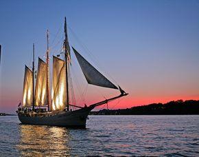 Abendtörn für Zwei - Kieler Woche Kiel Ostsee, inkl. Sektempfang - ca. 2,5 Stunden