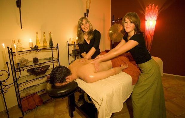 Sexy girls getting nude