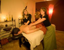 4-Hand-Synchron-Massage  Detmold 75 Minuten