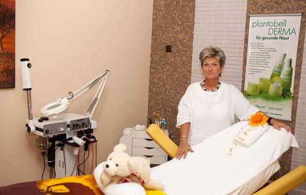ayurveda-anwendung-bad-hersfeld-massageraum