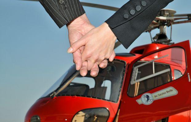gourmetflug-fuer-zwei-schoenefeld-hubschrauber