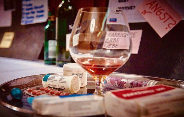 krimi-dinner-nuernberg-trinken