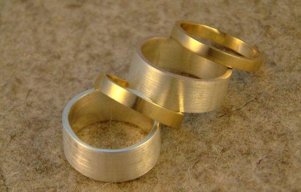 goldschmieden-wuppertal-goldene-runde-ringe