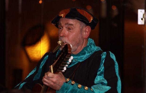 ritteressen-historisches-dinner-goslar-unterhaltung