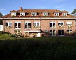3-zauberhafte-unterkunft-hotel-an-der-seepromenade-mirow