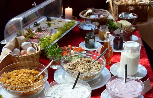kurzurlaub-freudenberg-fruehstueck-buffet