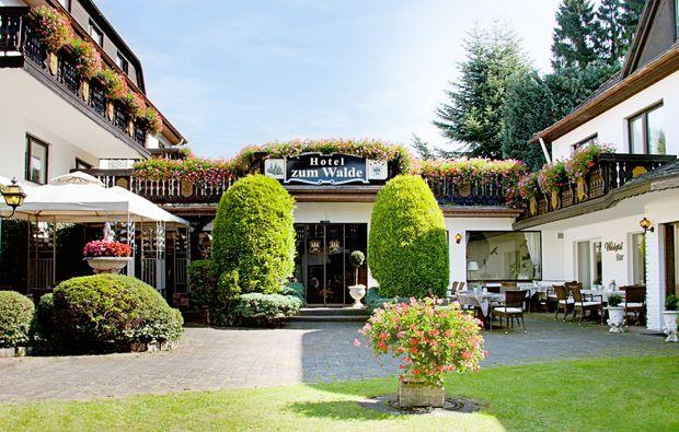 candle-light-dinner-fuer-zwei-stolberg-hotel