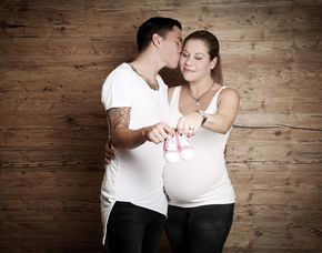 Babybauch-Fotoshooting - Bochum inkl. Make-Up & 2 Prints, ca. 1 Stunde