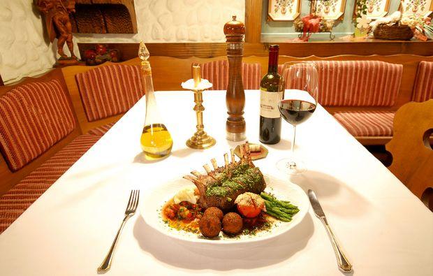 zauberhafte-unterkuenfte-altenkunstadt-dinner
