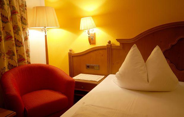 zauberhafte-unterkuenfte-altenkunstadt-sessel