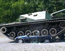 Panzer fahren / carcrashing mit dem M48A3 Patton Carcrashing mit dem Kampfpanzer M48A3 Patton - 45 Minuten