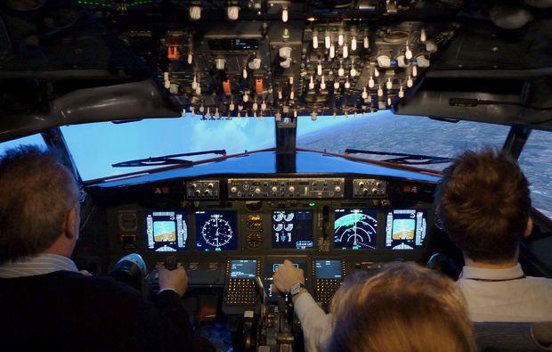 flugsimulator-berlin-boeing-selber-fliegen