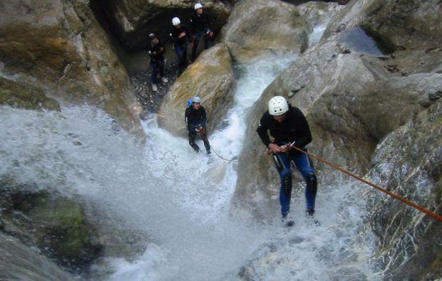 canyoning-tour-dornbirn-abseilen