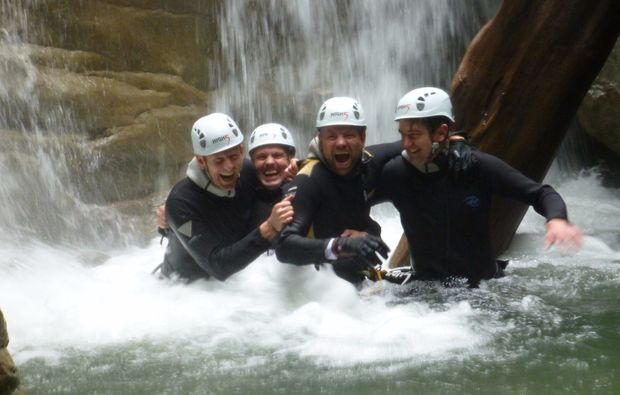 canyoning-tour-dornbirn-teamworkjpeg