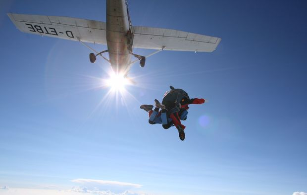 fallschirm-tandemsprung-kaufbeuren-bad-woerishofen-fallschirmsprung