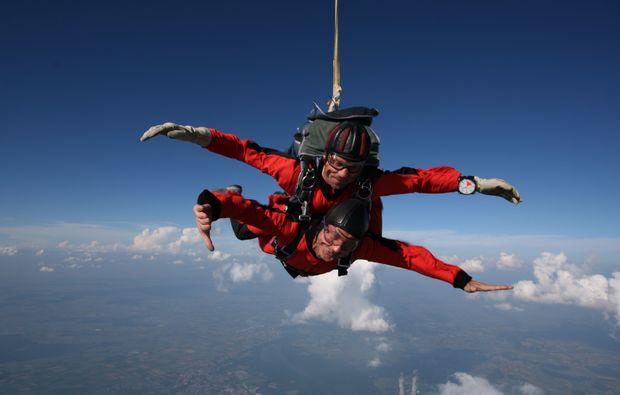 fallschirm-tandemsprung-kaufbeuren-bad-woerishofen-mid-air-1