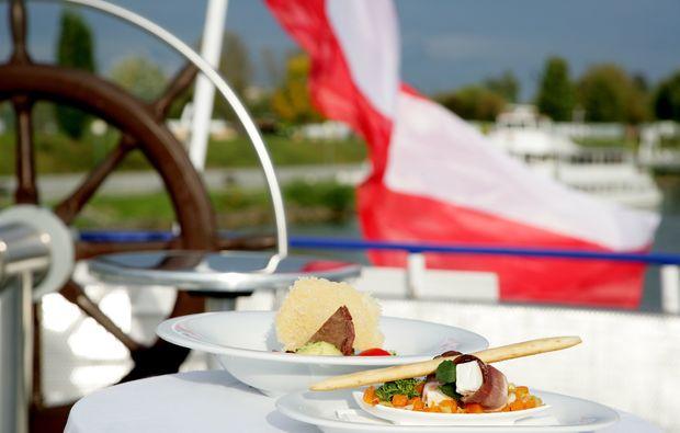 genuss-am-fluss-krems-dinner