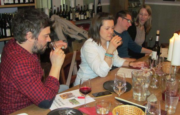 wine-duesseldorf-tasting