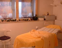 Das Schönheitsprogramm für Sie Dachau Gesichtsbehandlung, Rückenmassage, Relaxingbad