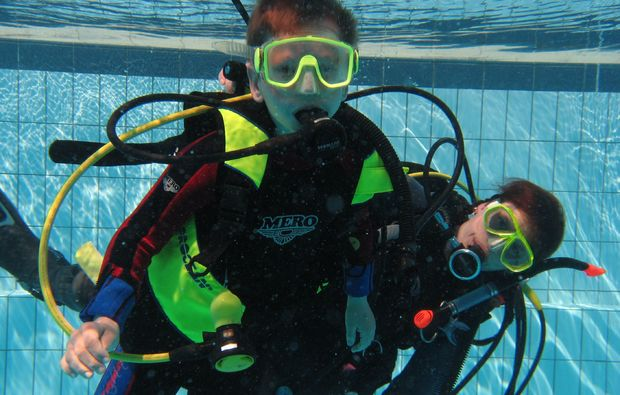 open-water-diver-theres-kinder