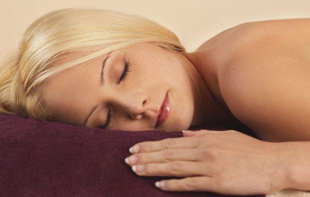 wellnesstag-fuer-zwei-muenchen-entspannung