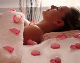 After-Work-Relaxing Hot Stone Rücken- bzw. Nackenmassage, Gesichtsmassage