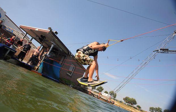 wakeboarden-wasserski-osthauderfehn