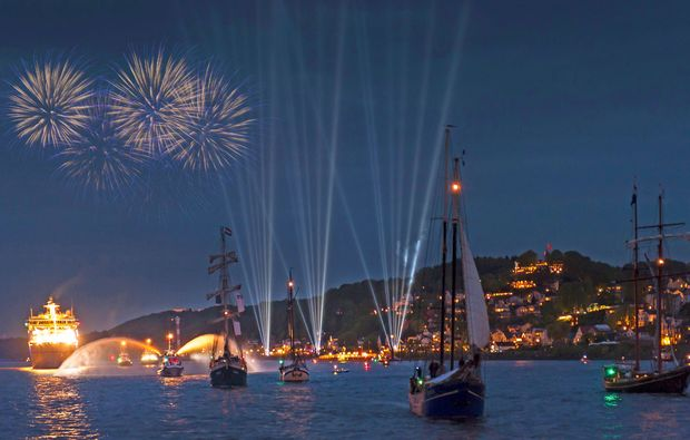 segeln-dinner-travemuende-feuerwerk