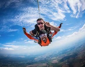 Fallschirm-Tandemsprung   Gransee Sprung aus ca. 3.000-4.000 Metern - ca. 30-60 Sekunden freier Fall