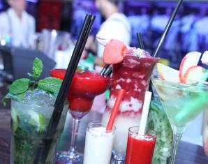 Bild Cocktails - Schenke mit einem Cocktailkurs außergewöhnlichen Spaß im Glas!