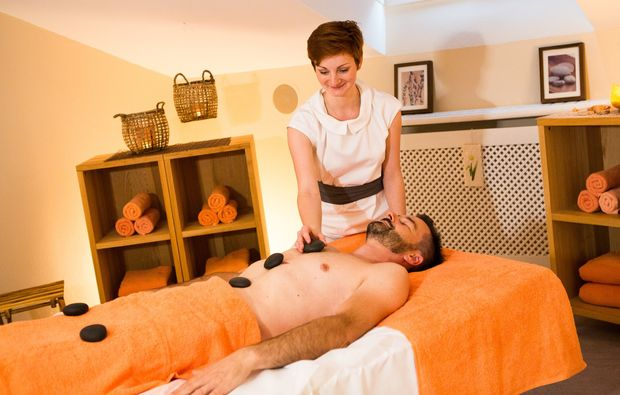 wellness-wochenende-deluxe-bad-fuessing-massage