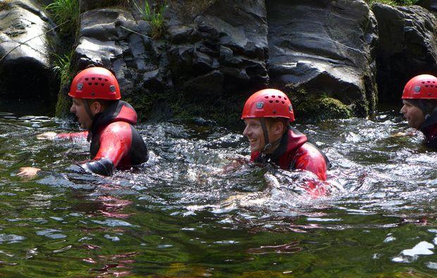 canyoning-tour-goslar-schwimmen