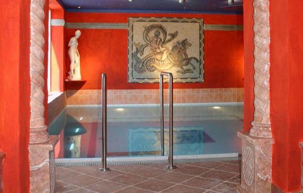 kurzurlaub-am-meer-goehren-pool