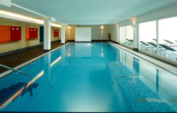 wellnesshotel-neunkirchen-pool
