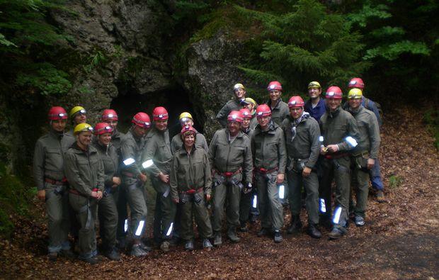 Kletterausrüstung Regensburg : Höhlentrekking in regensburg als geschenkidee mydays