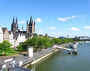 Altstadtführung und Panorama-Schiffsrundfahrt Altstadtführung und Panorama-Schiffsrundfahrt