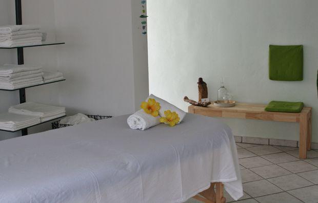 aromaoelmassage-siegburg-massagetisch