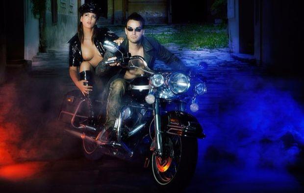 partner-fotoshooting-muenchen-motorrad