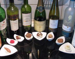 Wein & Schokolade Verkostung von 6 Weinen & 6 Pralinenspezialitäten