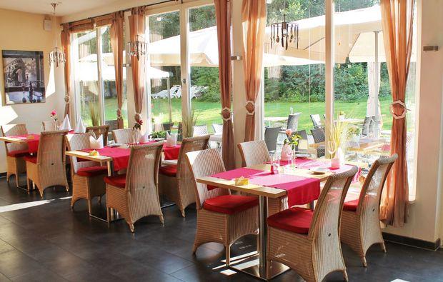 candle-light-dinner-fuer-zwei-goessweinstein-restaurant