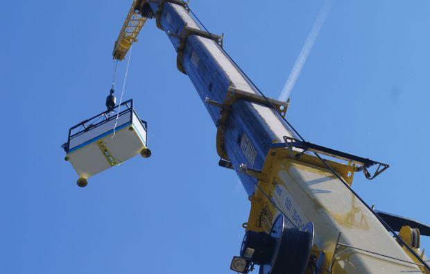 tandem-bungee-jumping-duesseldorf-kran